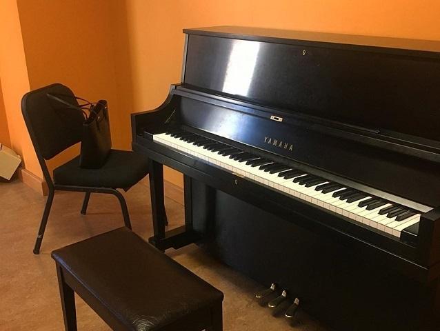 aprender a tocar piano de forma facil